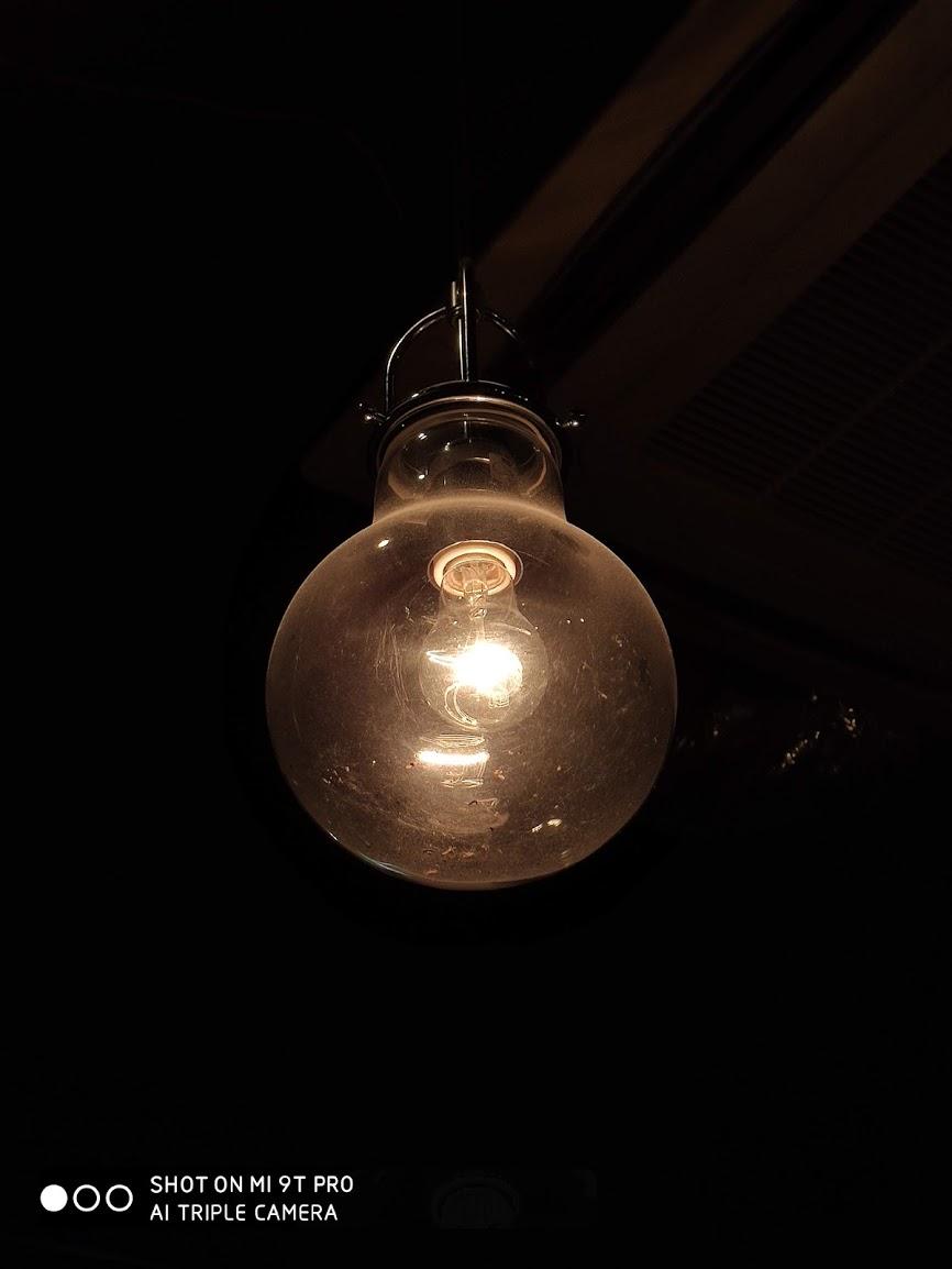 白熱灯の写真