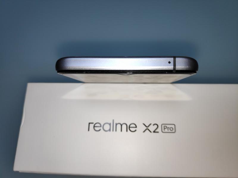 Realme X2 Proの筐体上部