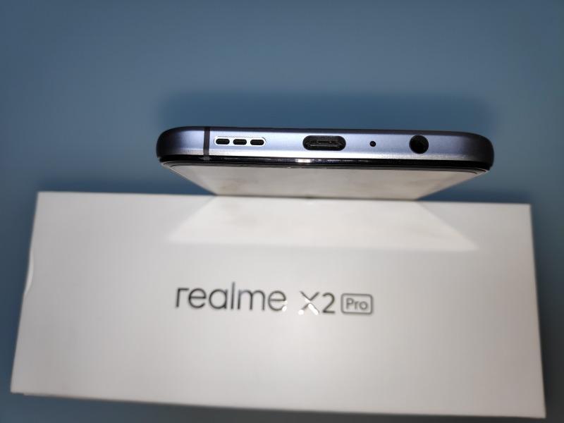 Realme X2 Proの筐体下部