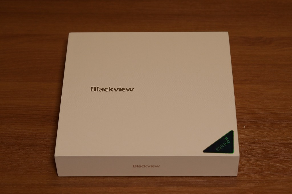 Blackview BV9100の外箱