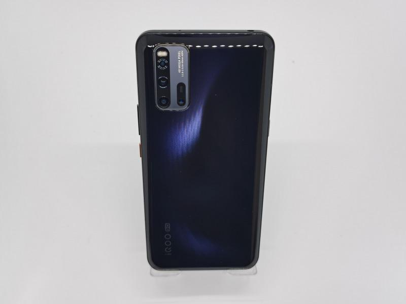 iQOO 3 5Gの背面画像