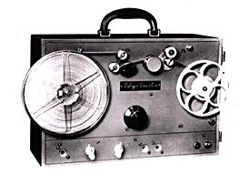 東通工初のテープレコーダー試作1号機
