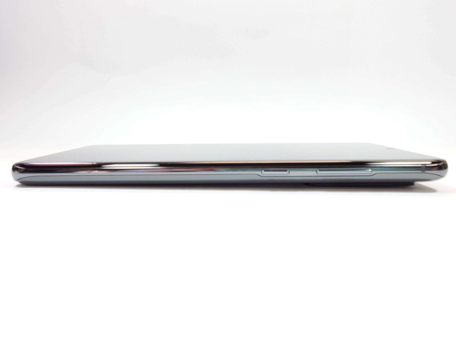 Galaxy S20 Ultra 右側側面